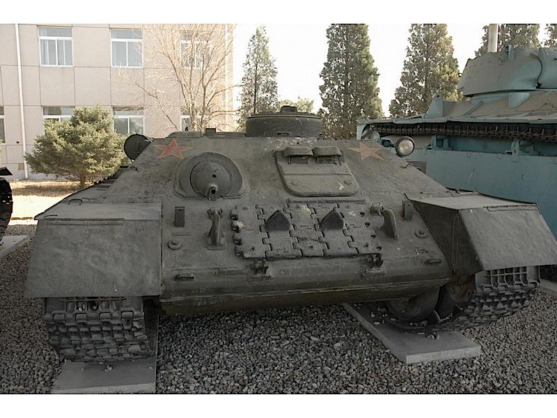 Char T-34 BREM-WalkAround