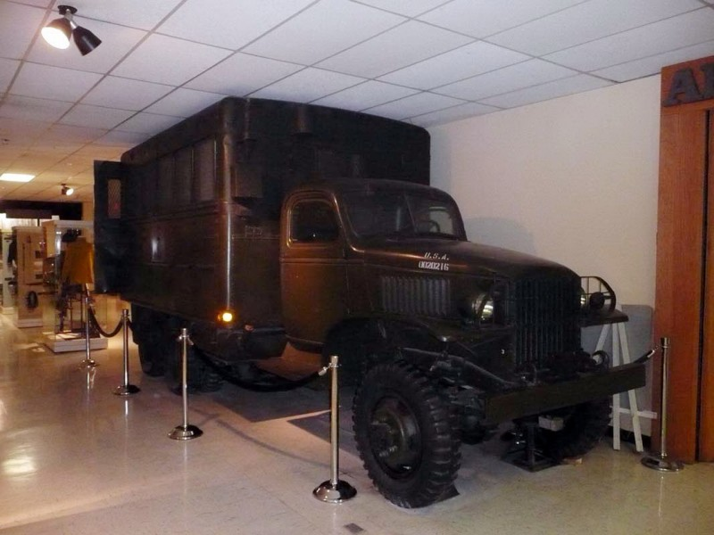 GMC 353 - 1942 - 2 1.2 ton - 6x6 - Sétálni