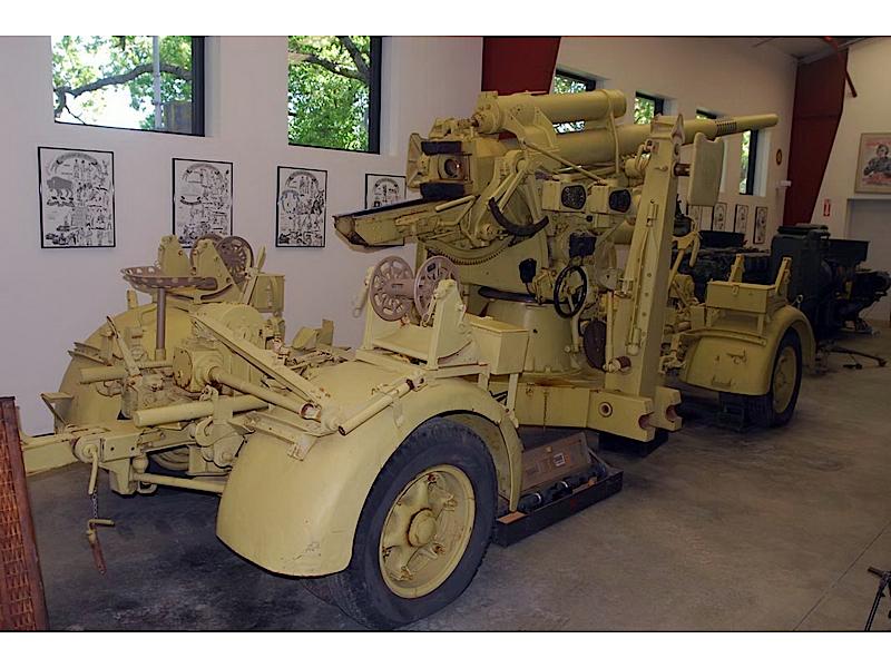 Tysk 88 mm FLAK 36 Spasertur Rundt