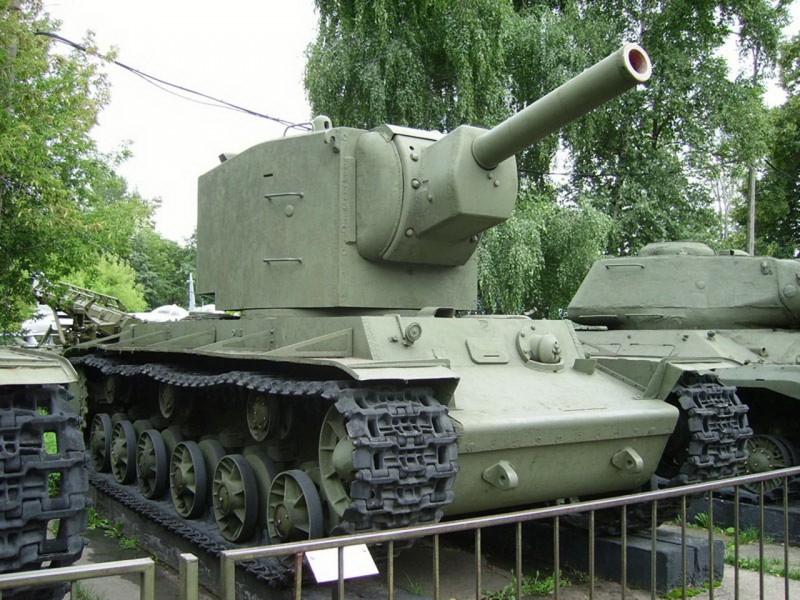 KV-2 - Walk Around