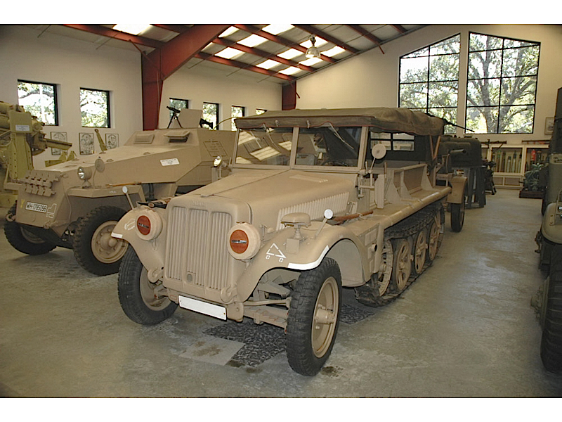 Sdkfz.10 - Walk Around