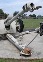 Soviet 122mm D-30 Howitzer - Walk Around