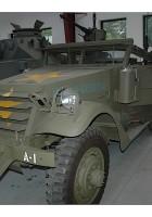 M3A1偵察車徒歩約