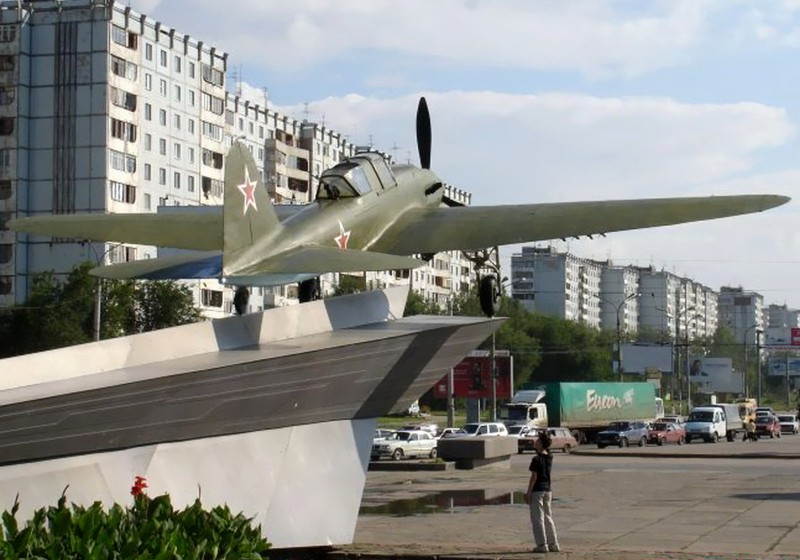 Iliouchine Il-2 - Walk Around