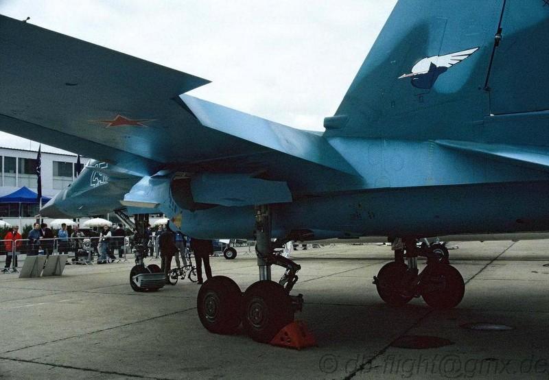 Suchoj Su-32FN - WalkAround