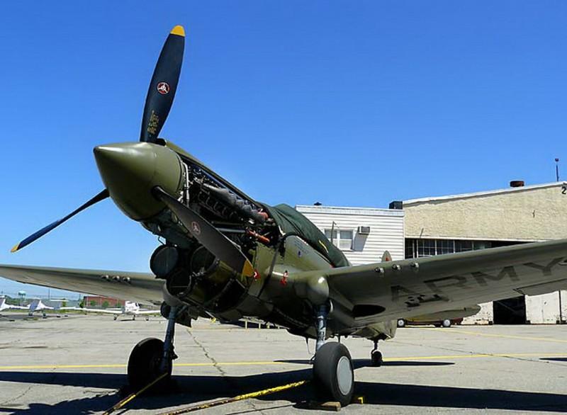 Curtiss P-40 Warhawk 22-WalkAround