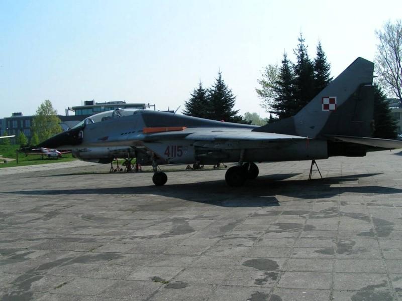 MiG-29 - WalkAround