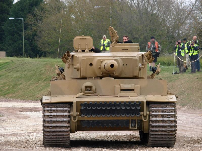 Tiger Tank in action - WalkAround
