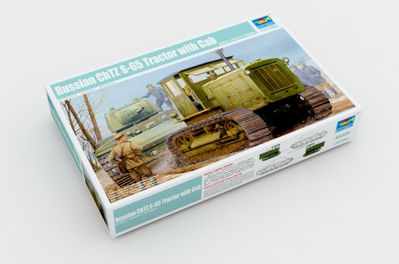 Русский трактор ЧТЗ С-65 с кабиной-Трубач 05539