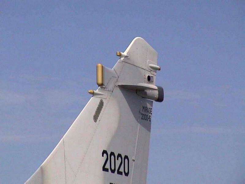 Dassault Mirage 2000-5 - Chodiť