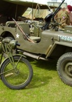 皇恩菲尔德摩托车的战争走