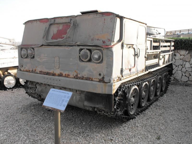 ATS-59G Dělostřelecký Tahač