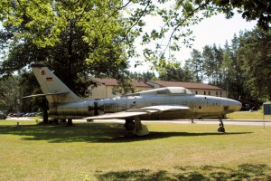 RF-84F Thunderflash - Walk Around