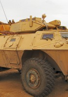 M1117 Pansrede Sikkerhed Køretøj Og Gå Rundt