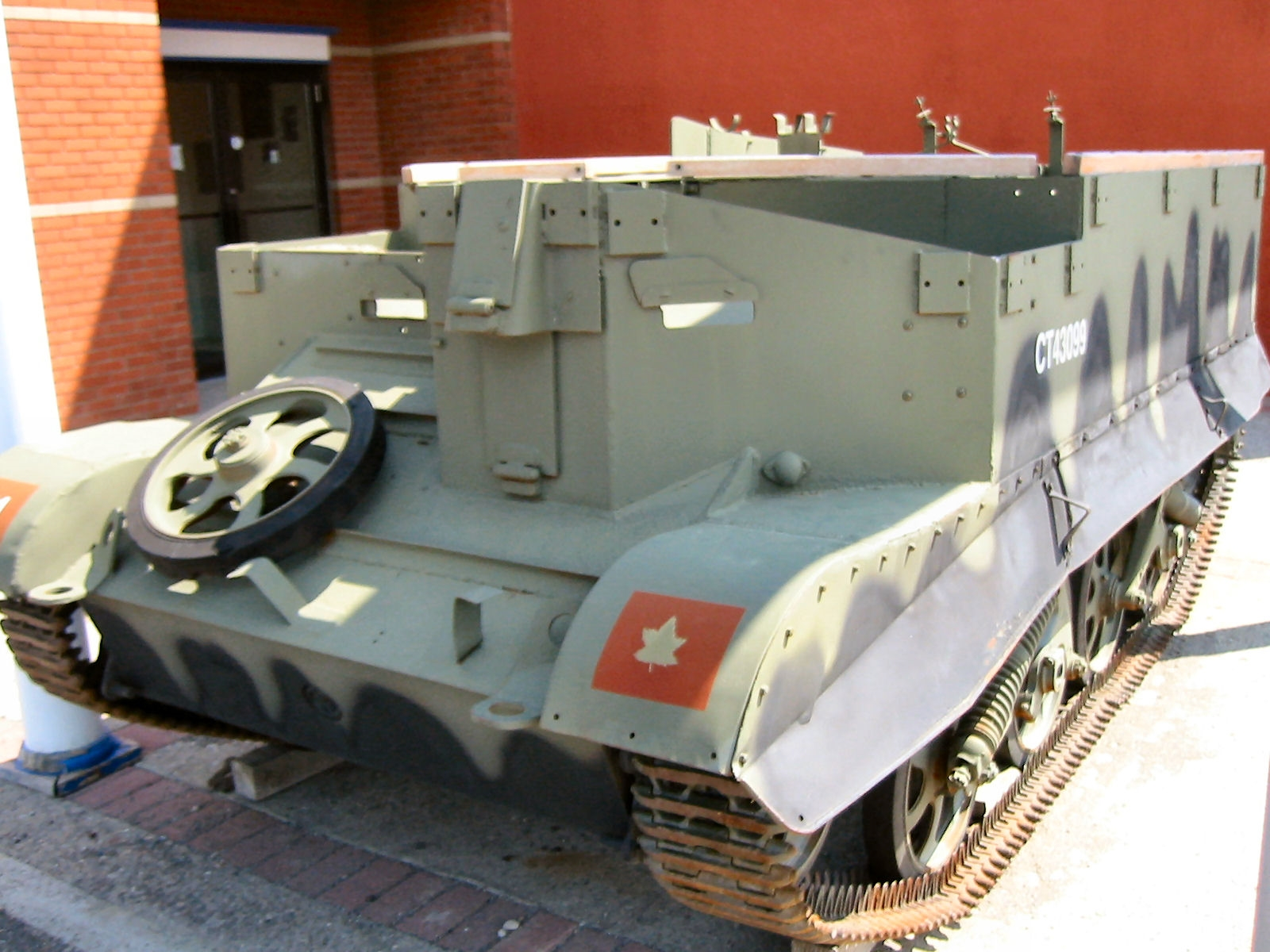 Universal Carrier, T-16