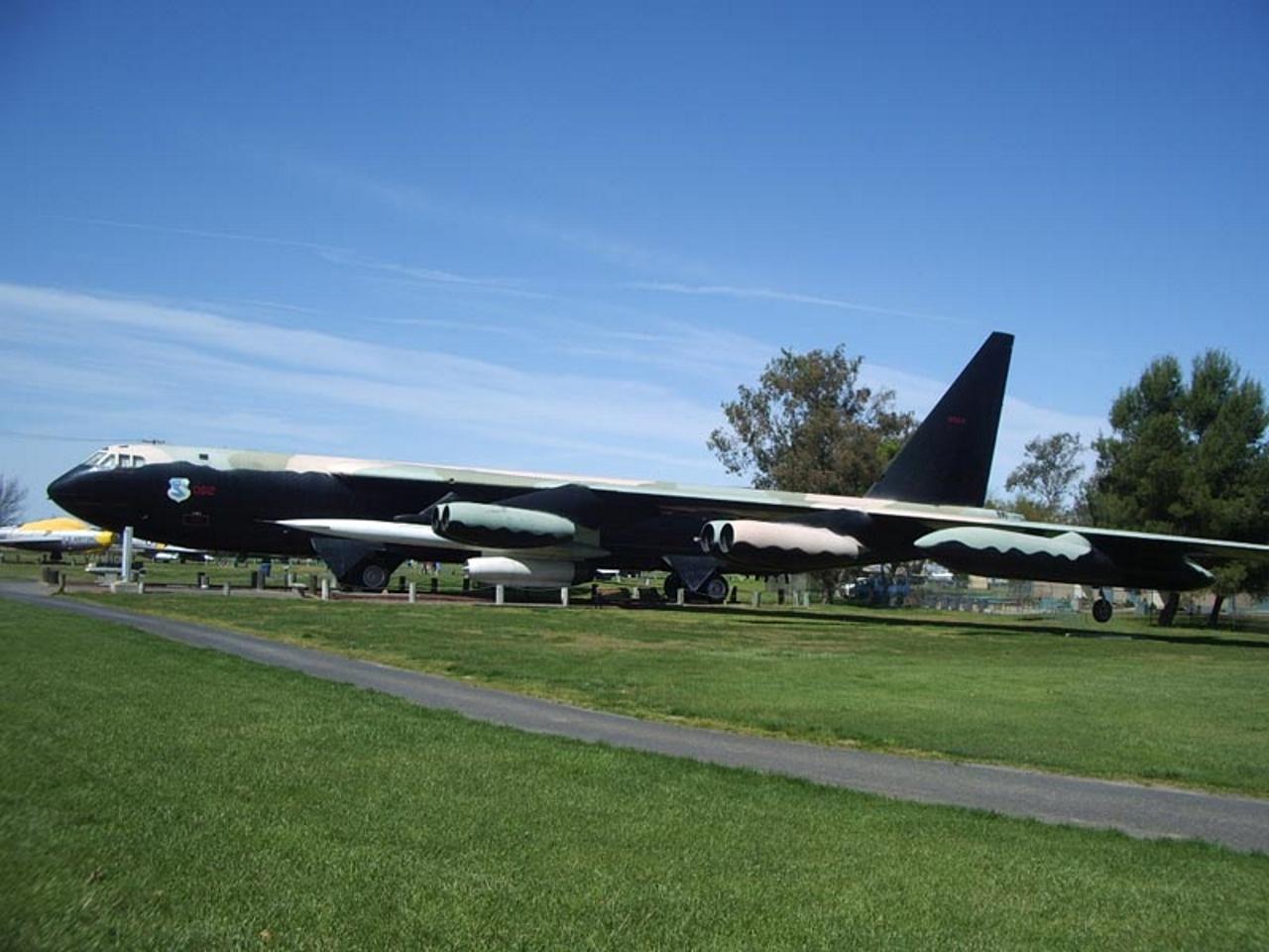 Boeing B-52D-80-BO Stratofortress