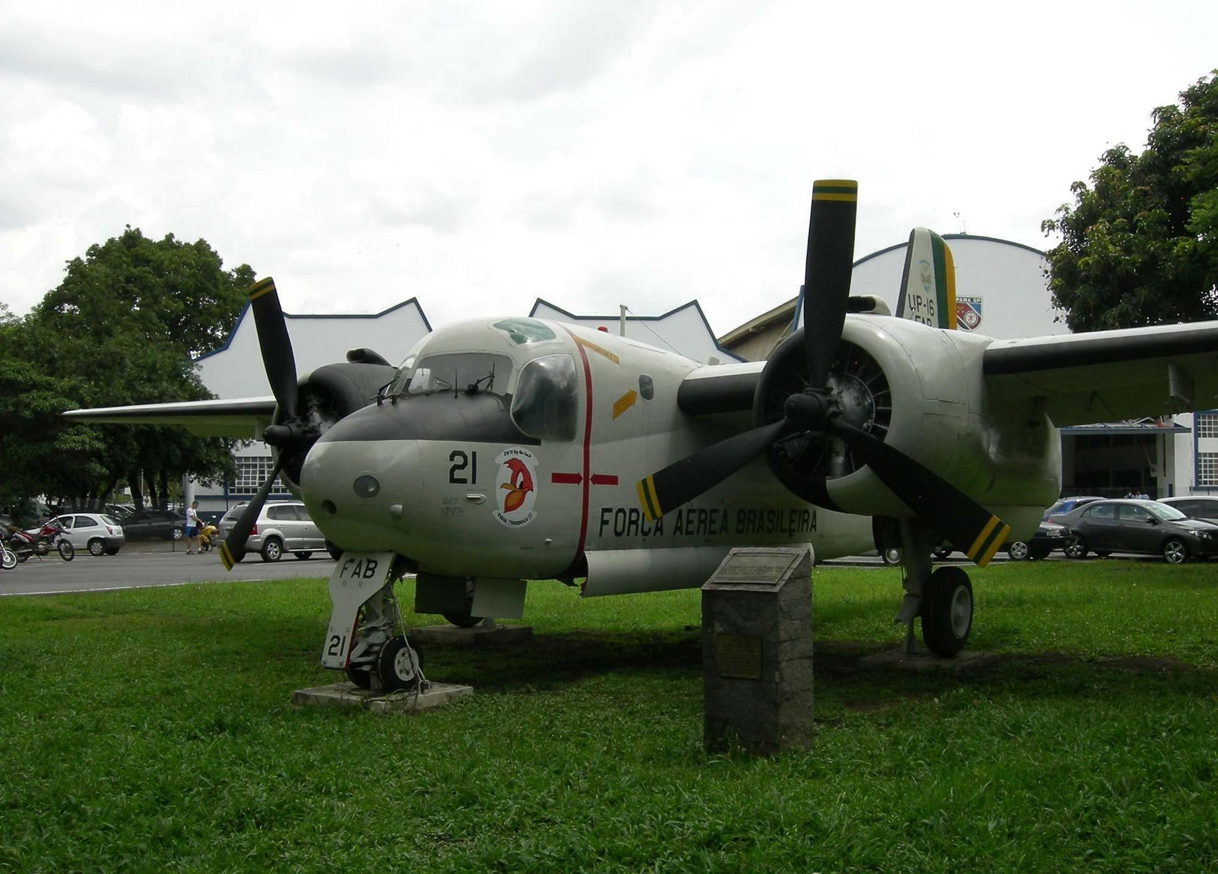 Grumman S-2 тракер