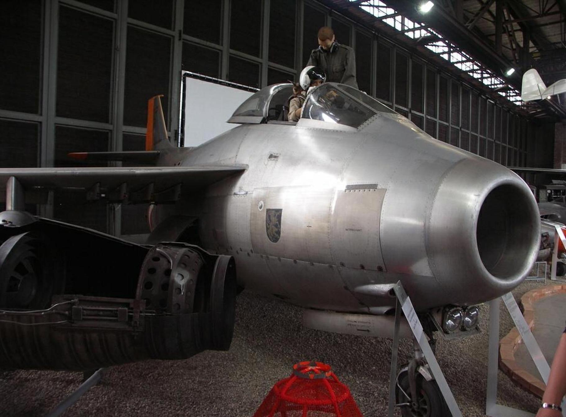 Na Saab-J-29F Nádrž