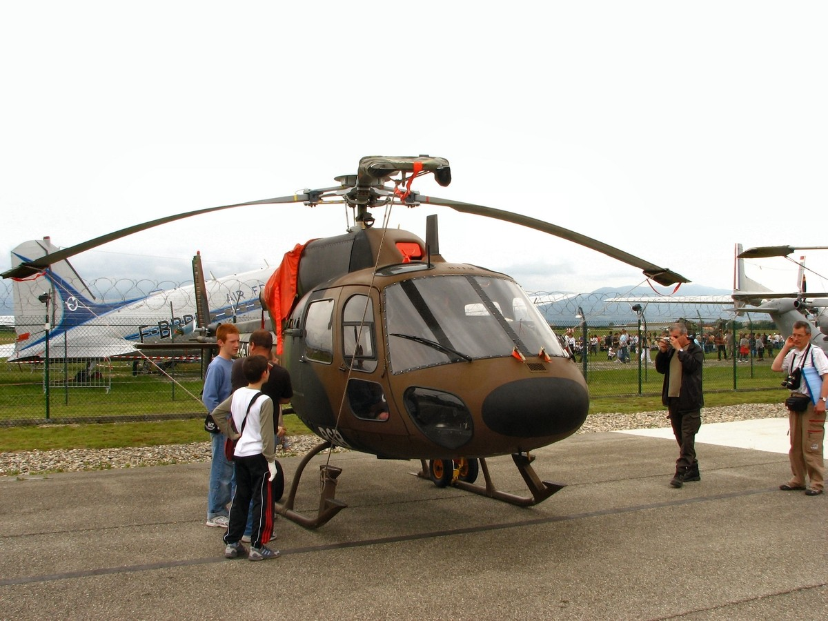 Aerospatiale AS555UN - WalkAround