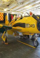 North American T-28 Trojan - Sprehod Okoli