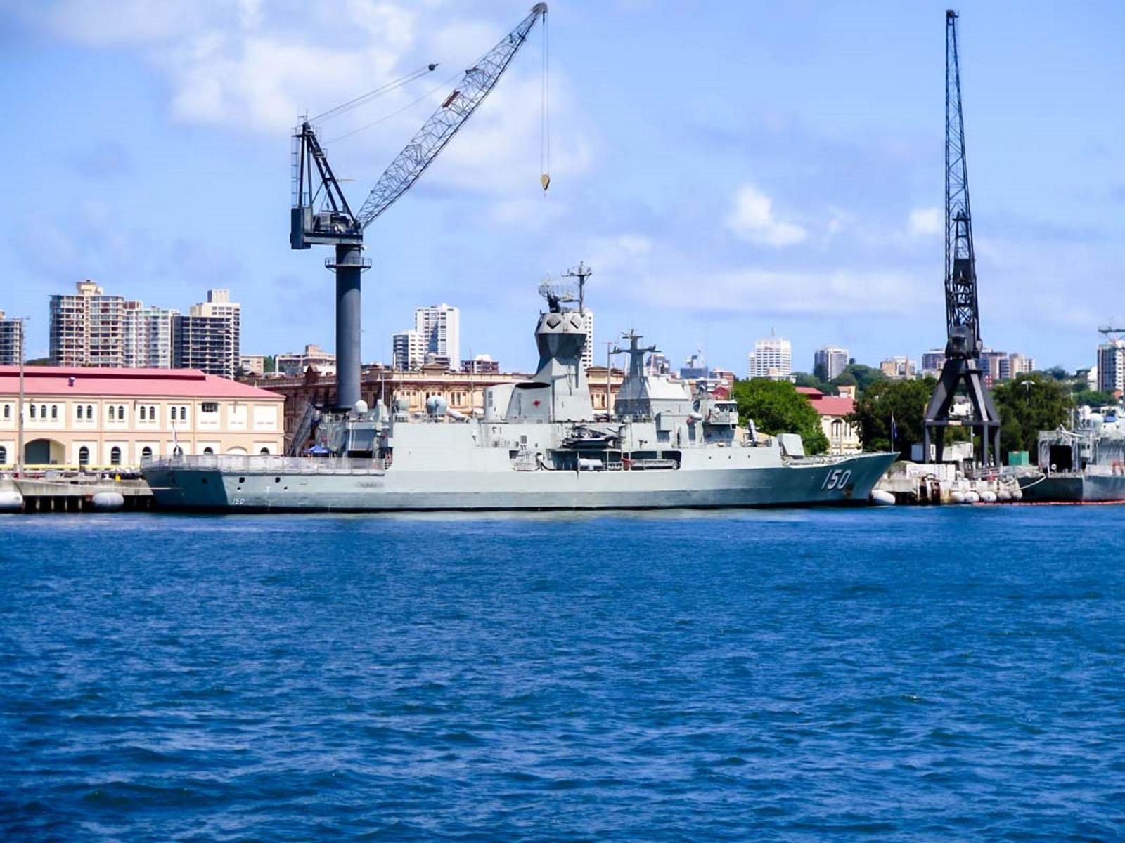 HMASアンザック(FFH150)