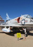 Douglas A-4 Skyhawk - Rond Te Lopen