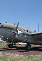 Curtiss C-46 Commando - Gehen Sie herum