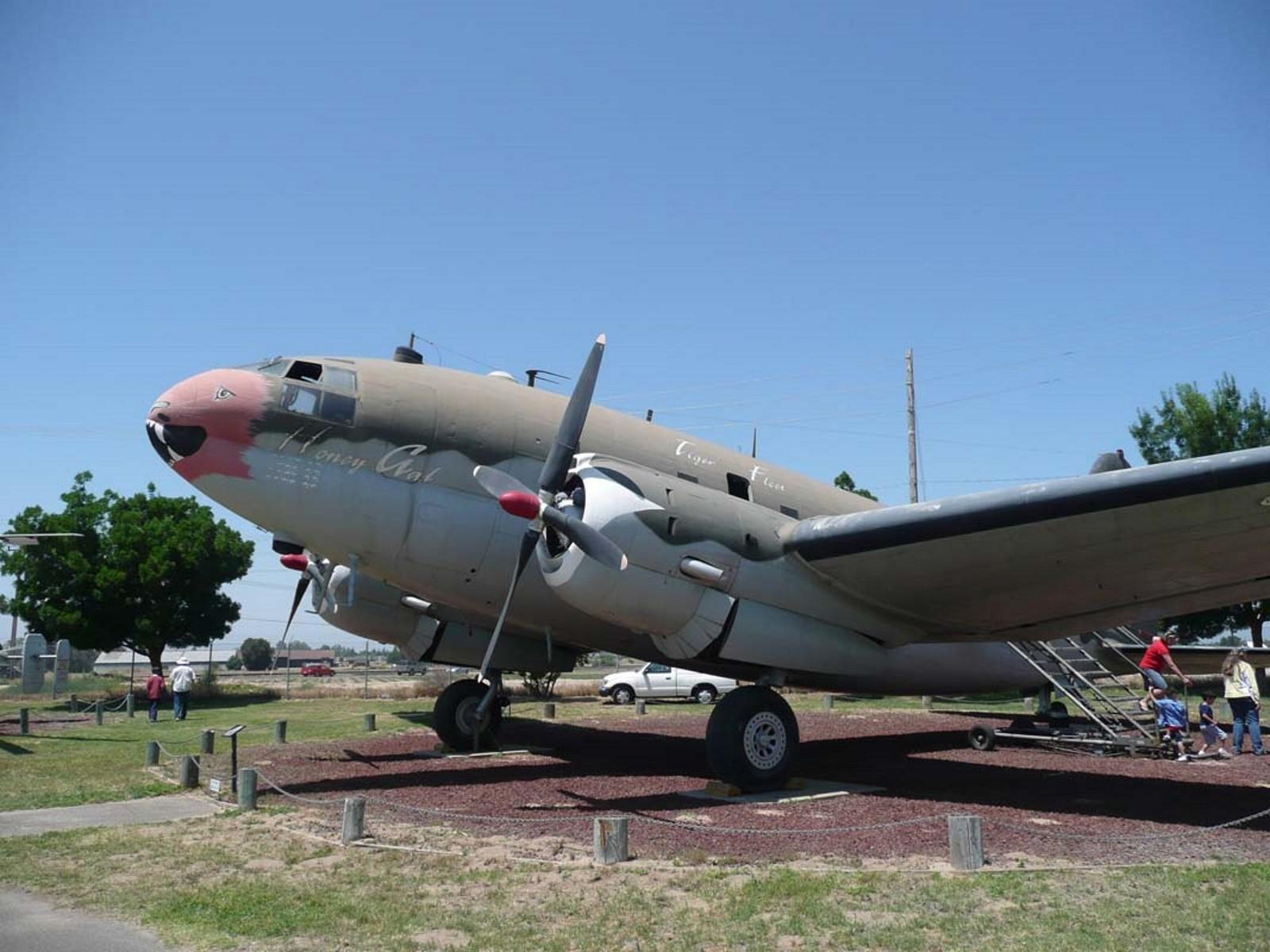 Curtiss C-46D-10-CU