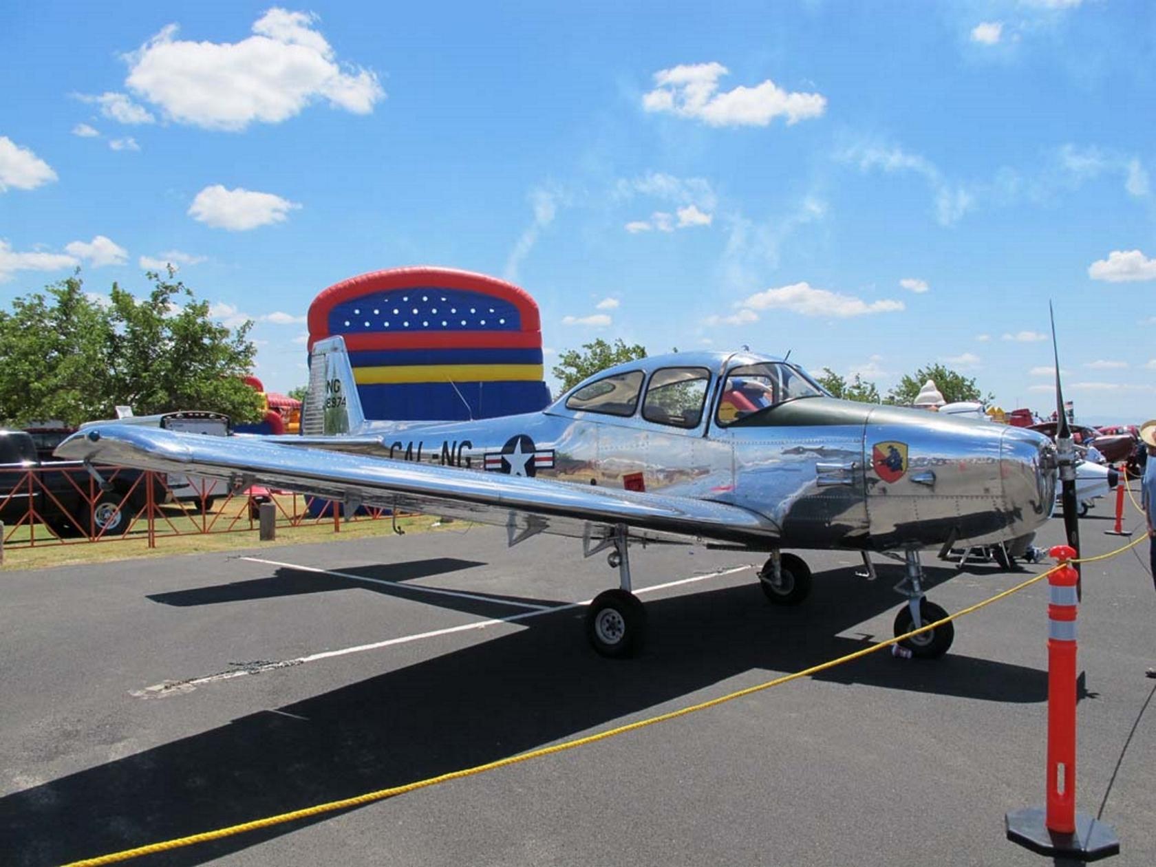 라이언 L-17B Navion