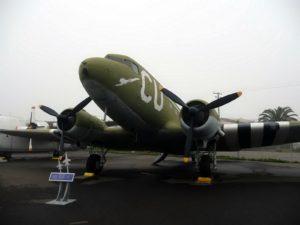 Douglas C-47 Skytrain - Sprehod Okoli