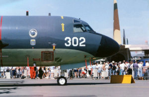 Lockheed P-3 Orion - Camminare Intorno