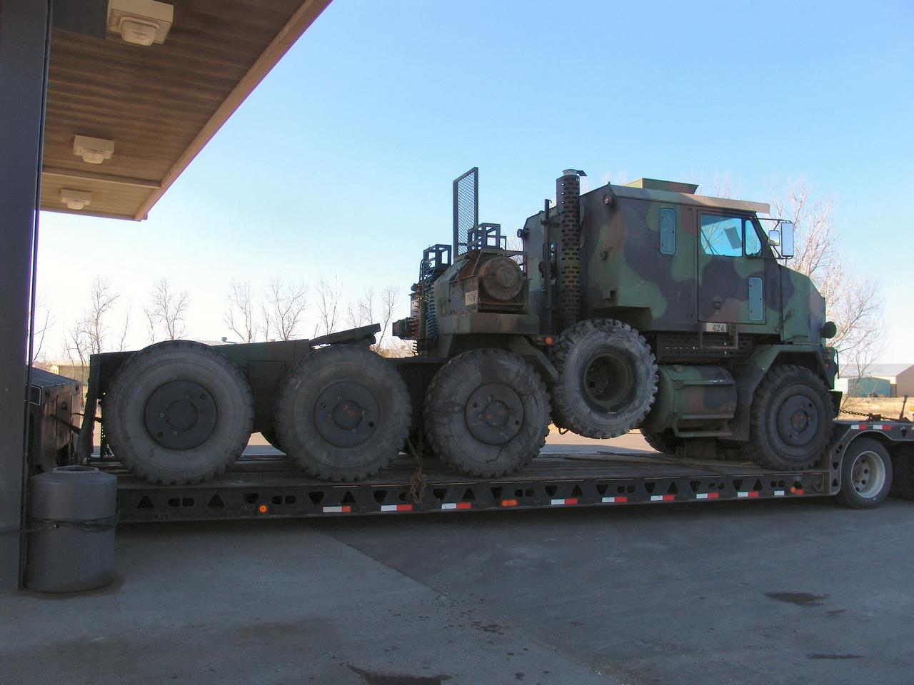 M1070 Sunkiojo Transporto Įranga