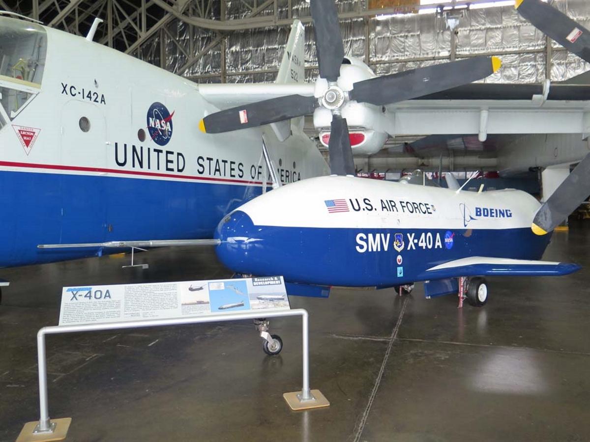 Boeing X-40A