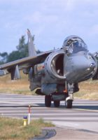 British Aerospace Harrier II - Kävellä