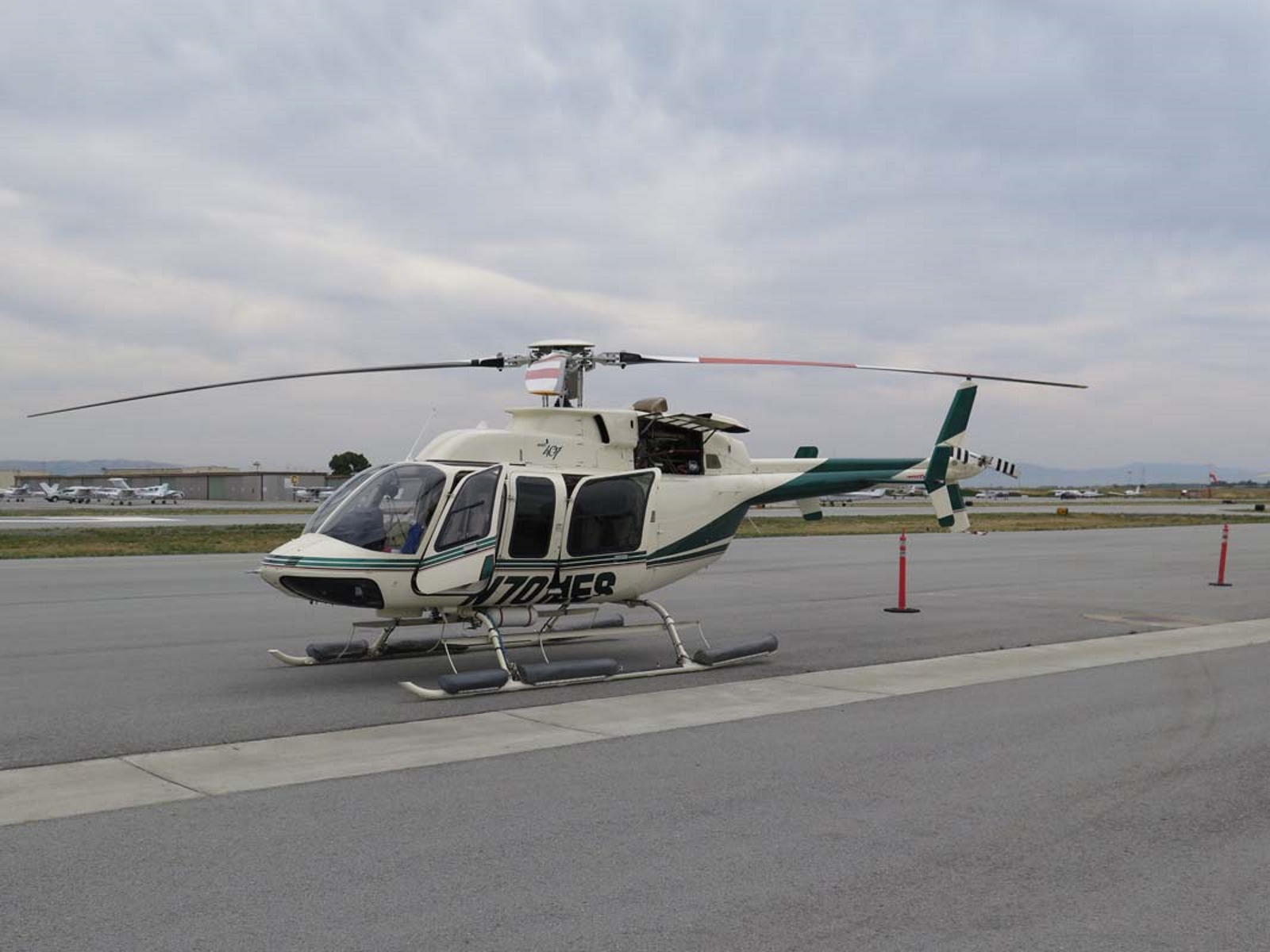 Le Bell 407