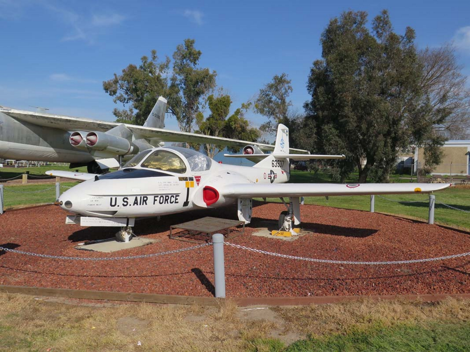 Cessna T-37B Твеет