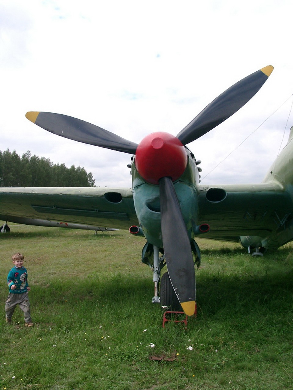 Petlyakov Pe-2 - Walk Around
