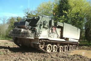 M270 Multiple Launch Rocket System - Loop rond